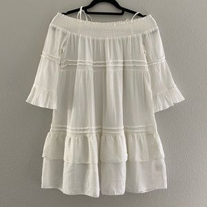 Romeo + Juliet   Off the Shoulder White Bobo Dress